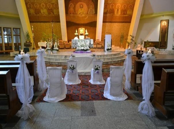 Zdjecie Dekoracja kościoła na ślub.